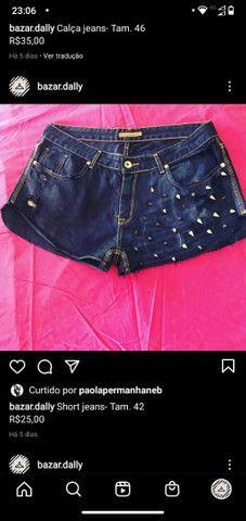 Roupas jeans, valores e tamanhos nas legendas das peças - Foto 4