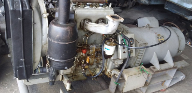 Mwm 3 cilindros com gerador 30kva acoplado - Foto 3