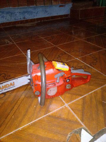 Vendo moto serra 700 reais faço entrega por 750