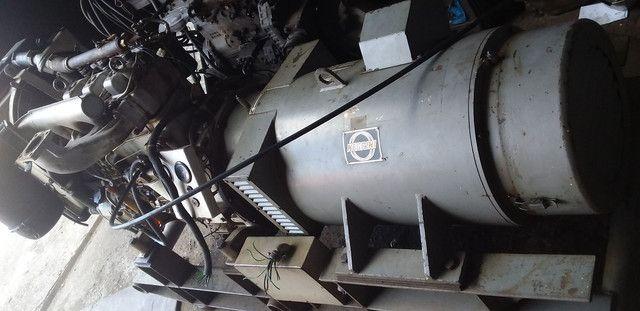 Mwm 3 cilindros com gerador 30kva acoplado - Foto 4