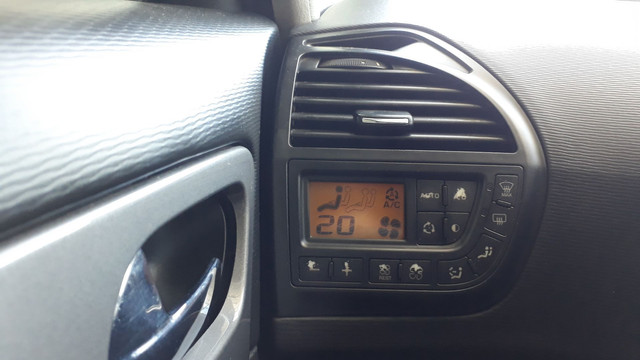 Citroen C4 Picasso GLX 2.0 Automático 2010 - Foto 16