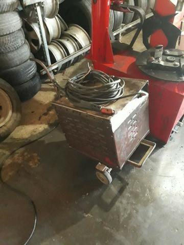 Maquina de solda 300 Ah marca o soldador - antiga em perfeito estado de funcionamento - Foto 3