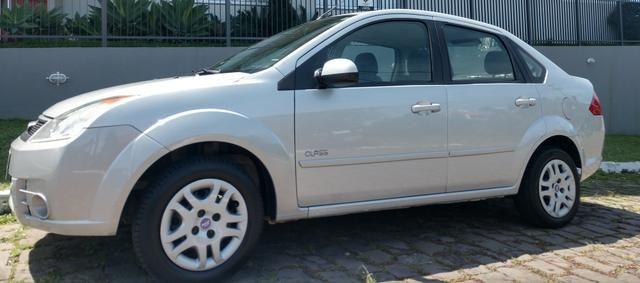 Fiesta sedan 1.0.$18.800 - Foto 4