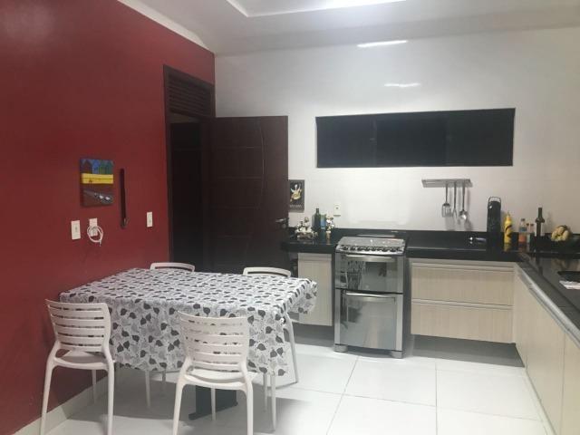 Casa térrea com 310m² - 3 suítes - sala de cinema ? 4 vagas e a 20 minutos de Ponta Negra - Foto 5