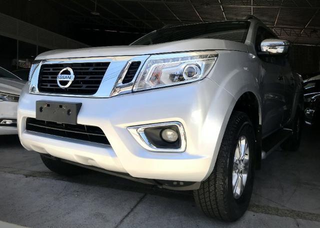 Nissan Frontier LE CD 4x4 2.3. Prata 2017/17 - Foto 2