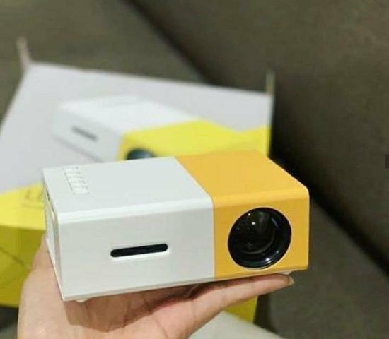Mini projetor 600 lumens - Foto 2