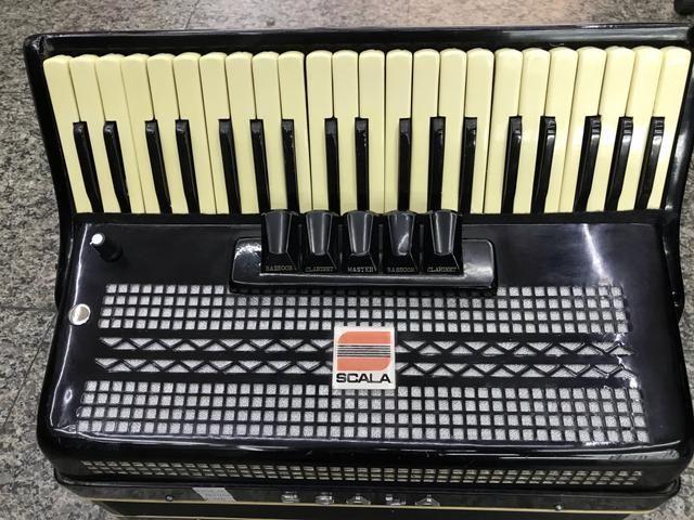 Acordeon / sanfona sacala 120 baixos reduzida elétrica linda original - Foto 3