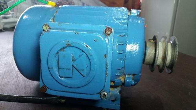 Motor trifásico - Kohlbach