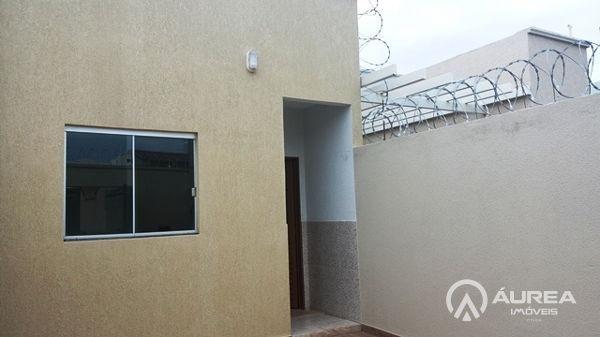 Casa  com 2 quartos - Bairro Moinho dos Ventos em Goiânia