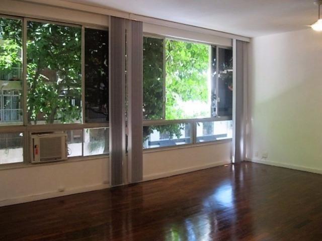 Apartamento impecável na excepcional e tranquilíssima Rua Barão de Jaguaripe !! - Foto 2