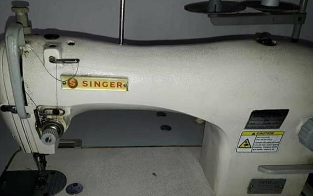 Máquina Singer Industrial Reta - Foto 3