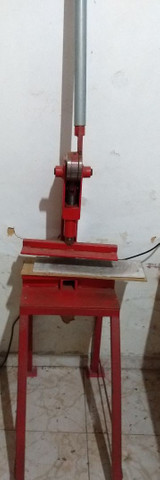 Maquina de fazer chinelos