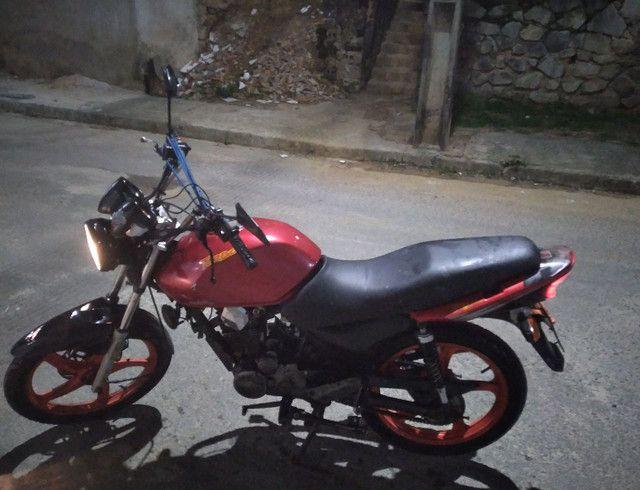 Vendo essa linda moto ano 2012  - Foto 2