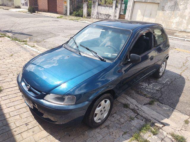 GM  Celta 1.0 VHC (  ano 2003 ).apenas  112.000 km  com  Direção Hidráulica e alarme