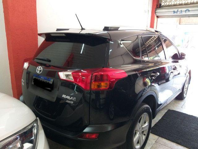 Toyota RAV4 Top 4X4 GNV troco e financio aceito carro ou moto  - Foto 4