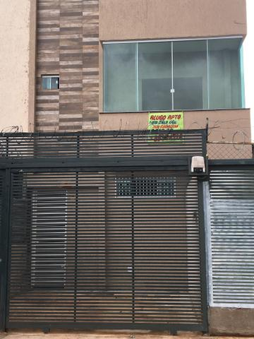 Alugo APT 750,00 aluguel sem condomínio na QNL 08