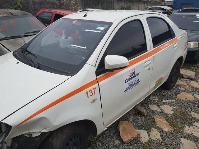 Etios sedan 2012 - sucata- mecânica- lataria- acessórios - Foto 2