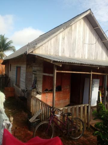 2 casas uma em Madeira outra em construçao