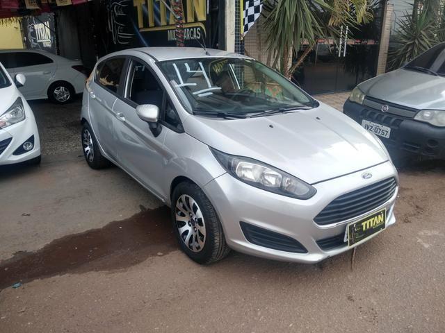 New Fiesta 1.5 ano 2014. Ent.R$8.000 - TITAN MULTIMARCAS