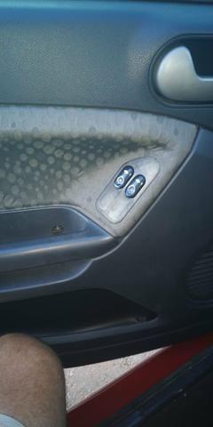 Fiesta Hatch 1.6 Completo ano 2012 - Foto 7