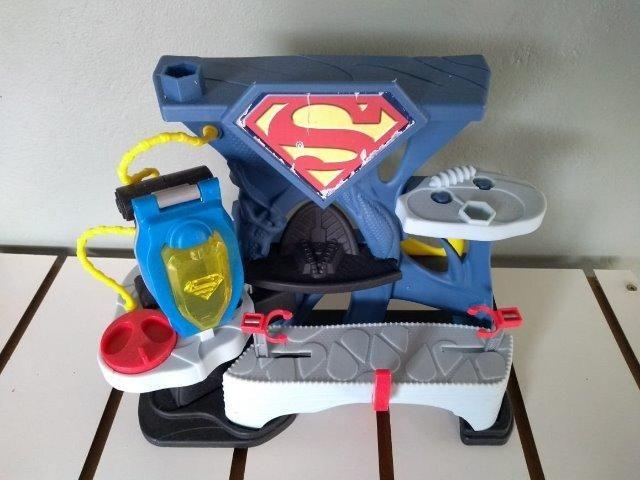 Brinquedo super homem