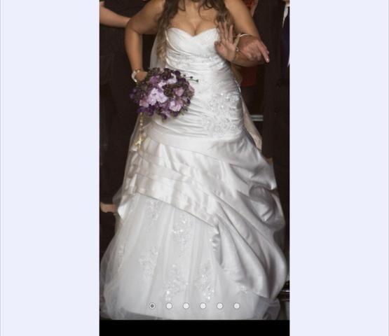 Vestido de noiva, dois modelos