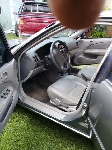 Vende um corola câmbio automático 2001 - Foto 5