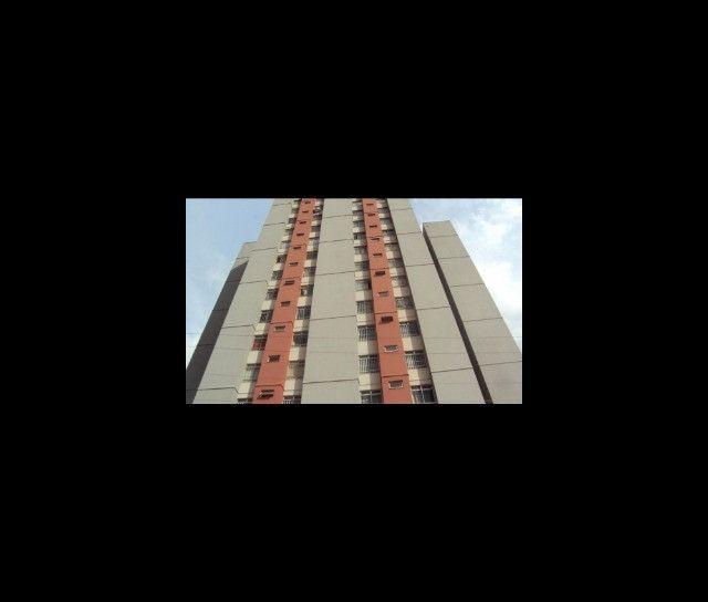 Apto à venda, confortável, 2 quartos, 60 m². Res Edif Mirafiori. Jd América, Goiânia-GO