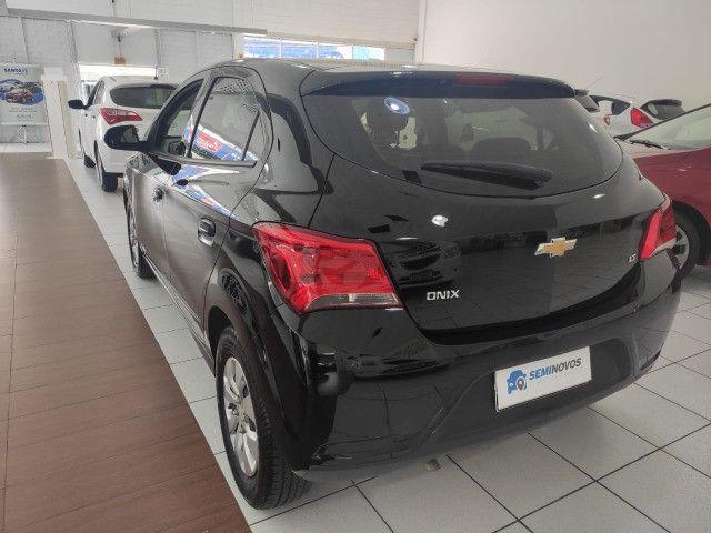 Chevrolet Onix LT 25.000 km Impecável - Foto 3