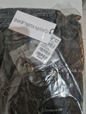 Camisa Calvin Klein estonada marmorizada - Foto 3