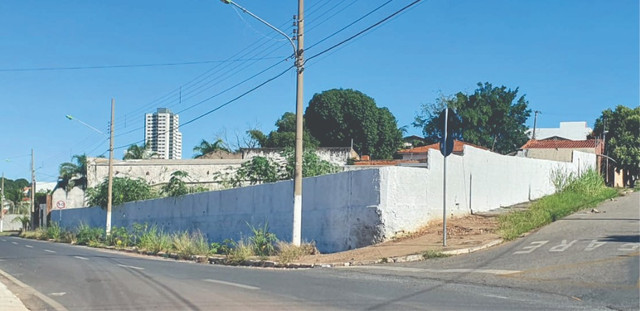 Alugo Melhor Terreno da Av. Oito de Abril / Jardim Cuiabá. - Foto 2