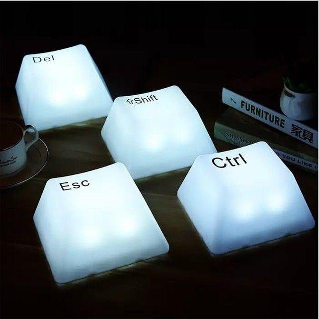 Luminária Tecla de Computador