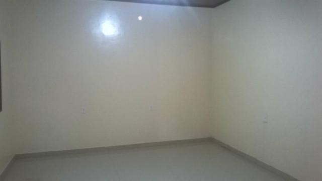 Aluga ou vende casa no Infraero 2 de frente com a escola estadual lima neto