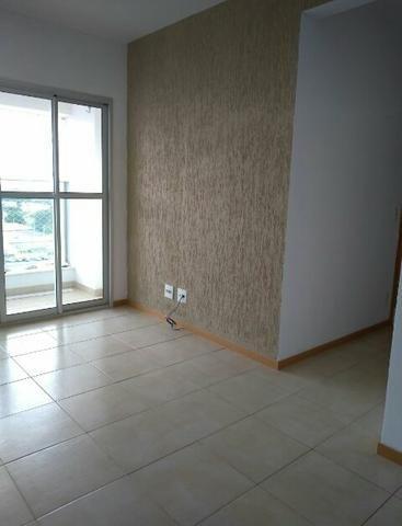 Apartamento de 02 quartos, com armários planejados, Antônia Aparecida (61)982744432