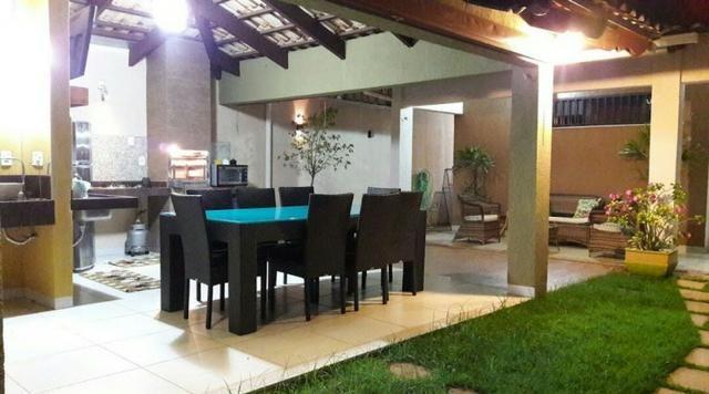 Casa 3 Suítes, 200 m² c/ varanda na 304 Norte