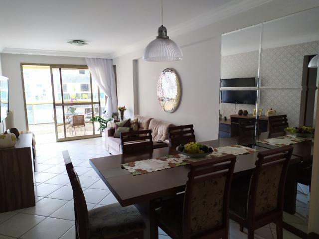 Murano Imobiliária vende apartamento de 2 quartos na Praia de Itapoã, Vila Velha - ES.