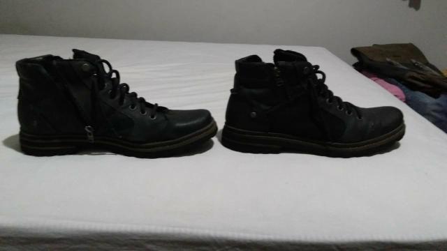 Dois pares de botinha masculina