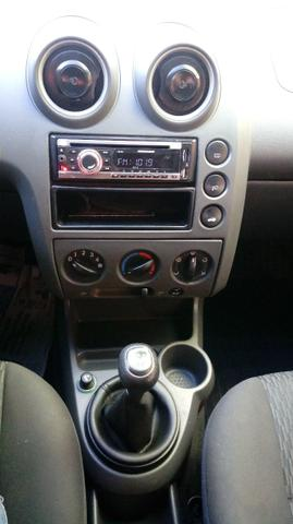 Ford fiesta sedan 1.6 flex 2004/05 completo - Foto 7