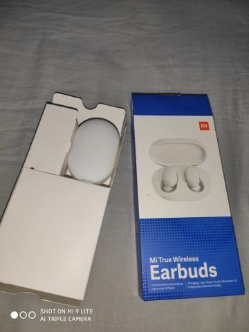 Fone De Ouvido Xiaomi Mi True Wireless Earbuds BRANCO (NOVO NA CAIXA NUNCA FOI USADO) - Foto 2