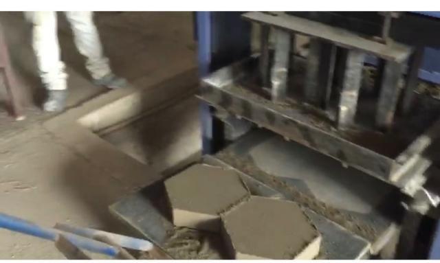Máquina de blocos - Foto 3