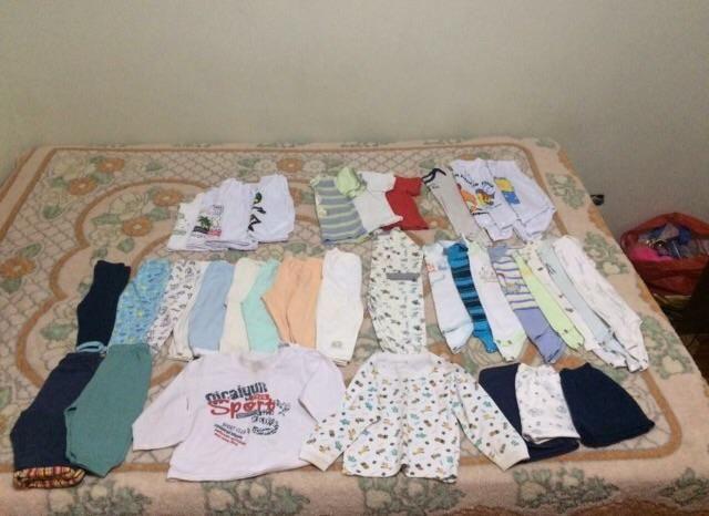 d489fc91e7 Vendo lote de roupas de Bebê menino de 3 a 6 meses com 38 peças ...