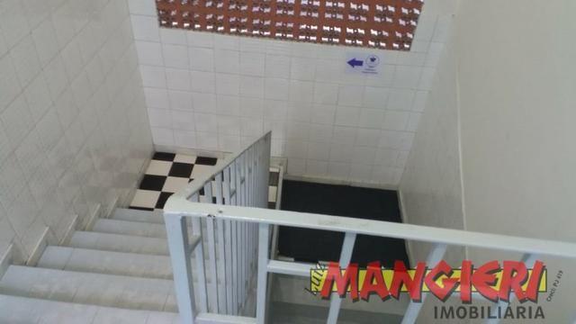 Aluga-se salas em galeria no Bairro São José - Foto 6