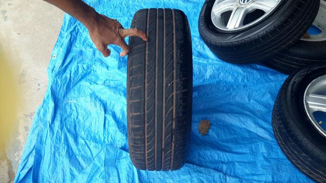 """Vendo jogo de rodas com pneus aro 15"""" - Foto 3"""