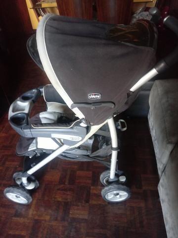 Carrinho + bebê conforto com base Chicco - Foto 2