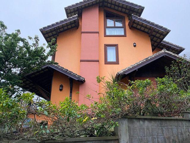 Casa de condomínio na Castelânea