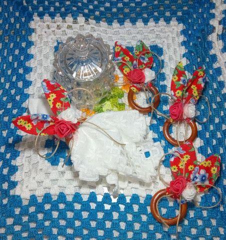Kit 3 Panos De Pratos Barrados 4 Porta-Guardanapo Decorado. - Foto 2