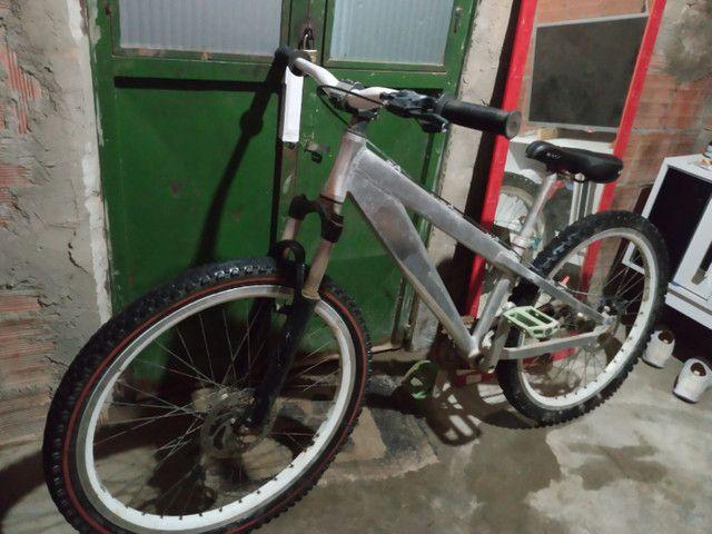 Bicicleta trust aro 26 - Foto 6