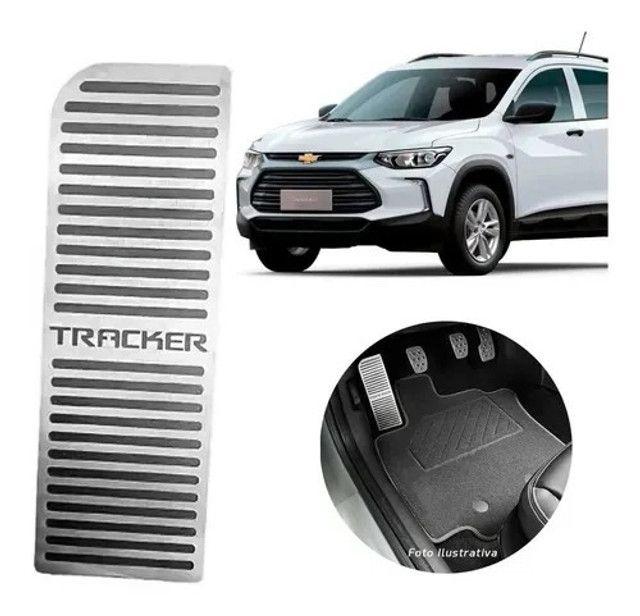 Descanso De Pé Gm Chevrolet Tracker 2020 2021 Em Inox Velcro