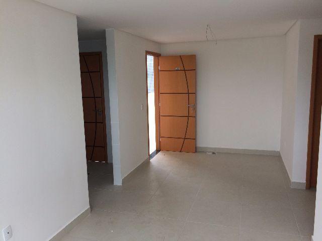 Apartamento com dois quartos grandes