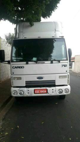Mudanças com caminhão baú
